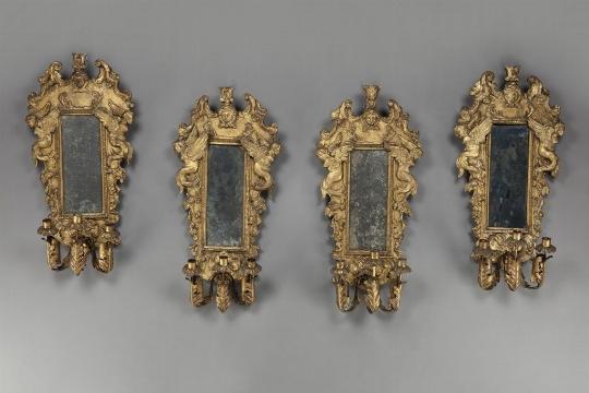 Quattro appliques in pastiglia dorata, XVIII secolo