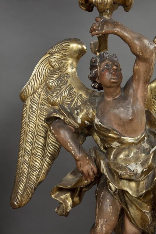 Coppia di angeli reggicero, XVII secolo (particolare)
