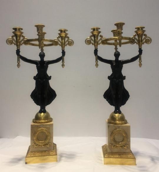 Coppia di candelieri bronzo, vittorie