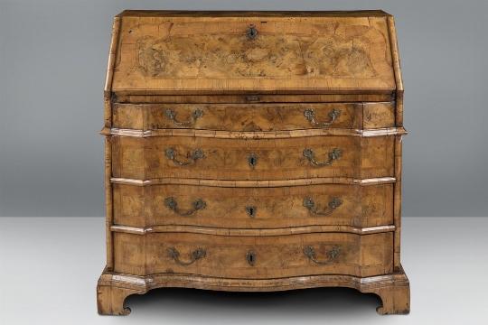 Cassettone a ribalta, XVIII secolo - Galleria
