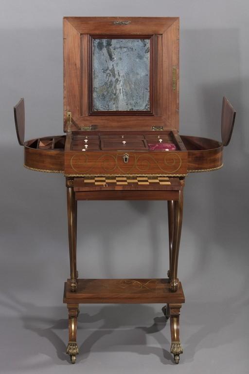 Tavolino da lavoro e da gioco, seconda metà del XIX secolo - CATALOGO